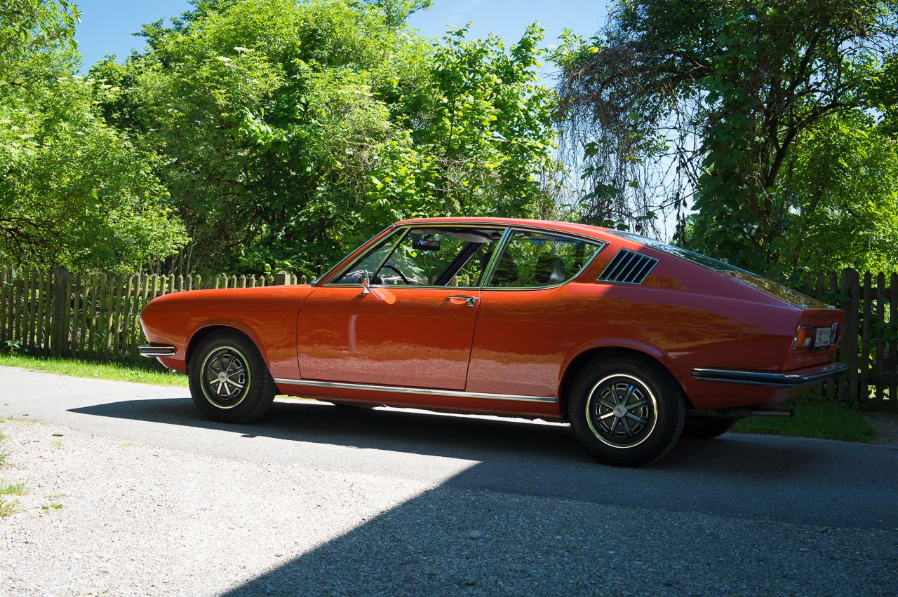 1973-audi-coupe-corallrot-nocarsforoldmen-03
