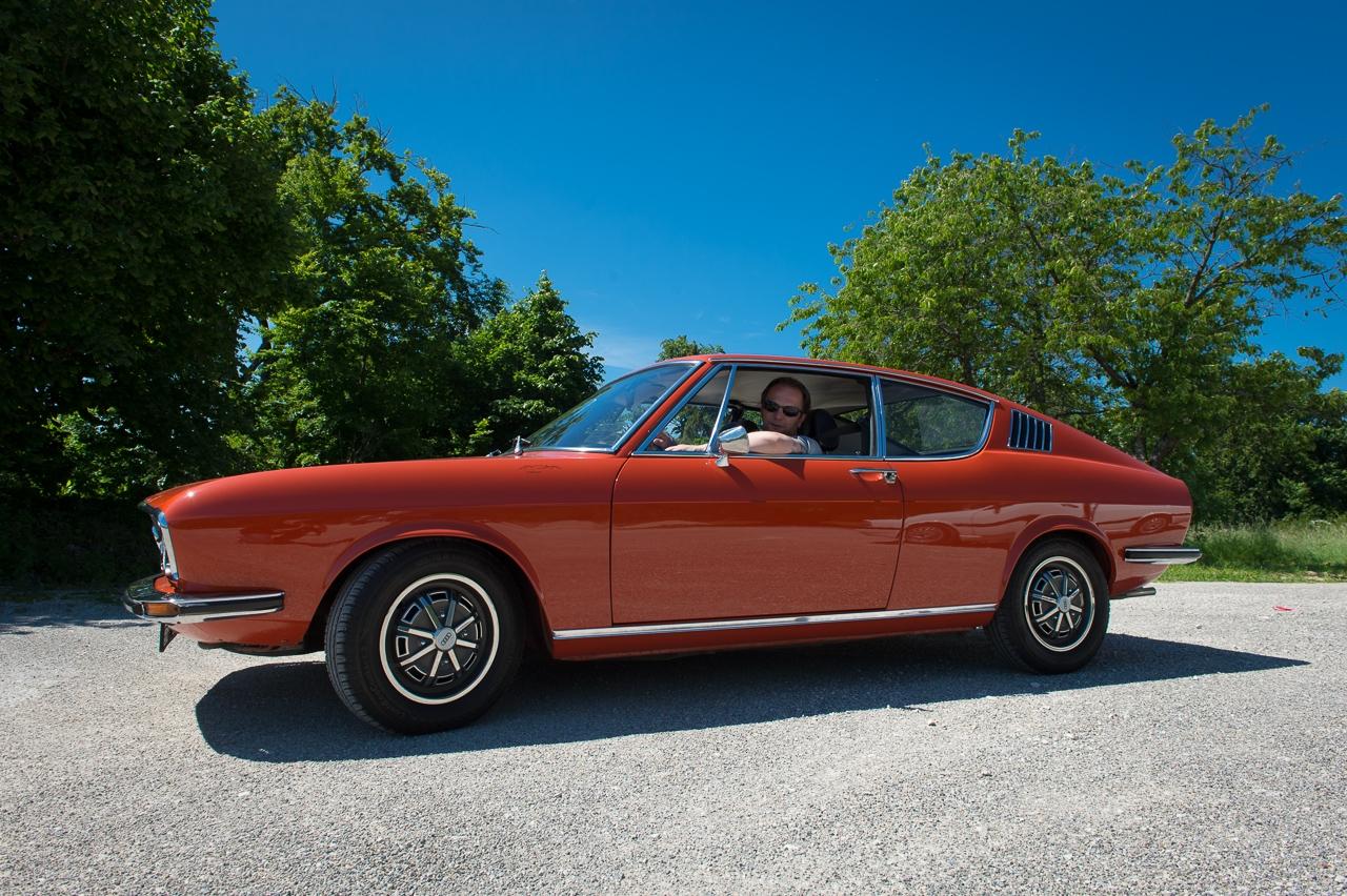 1973-audi-coupe-corallrot-nocarsforoldmen-01