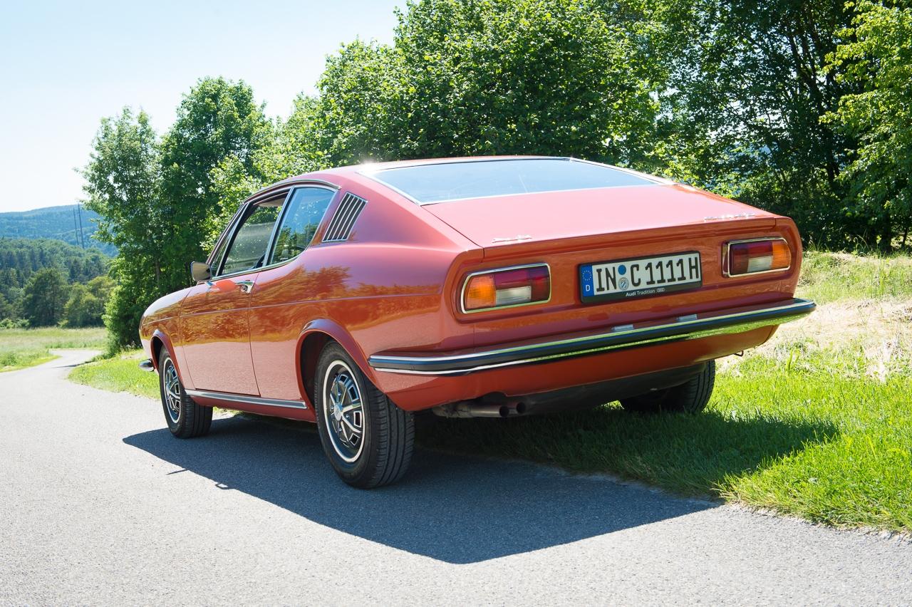 1973-audi-coupe-corallrot-nocarsforoldmen-09