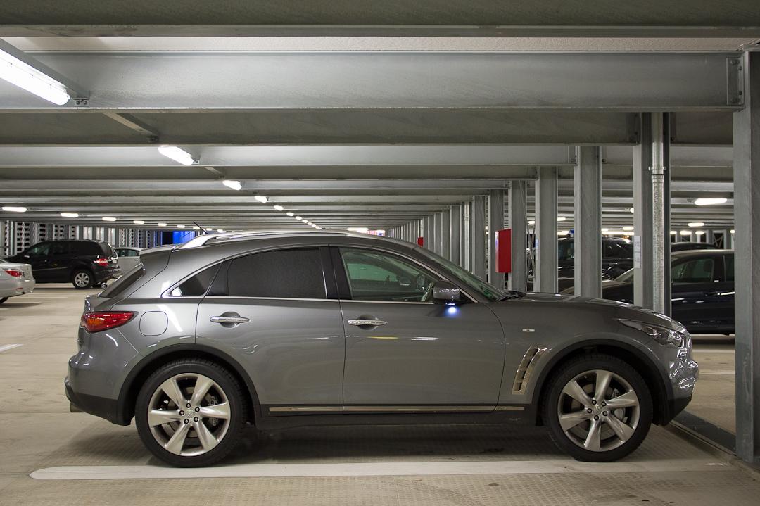 2012-infiniti-fx30d-s-premium-01