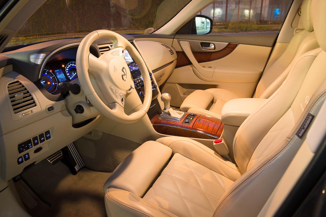 2012-infiniti-fx30d-s-premium-10