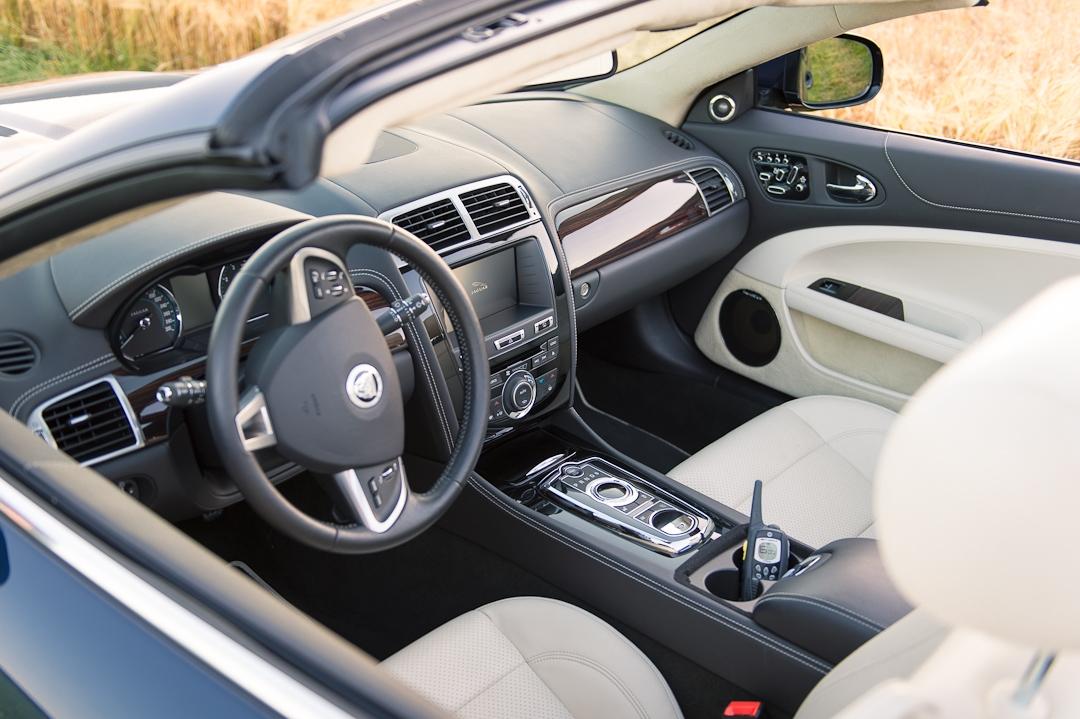 2012-jaguar-xk-cabriolet-v8-006