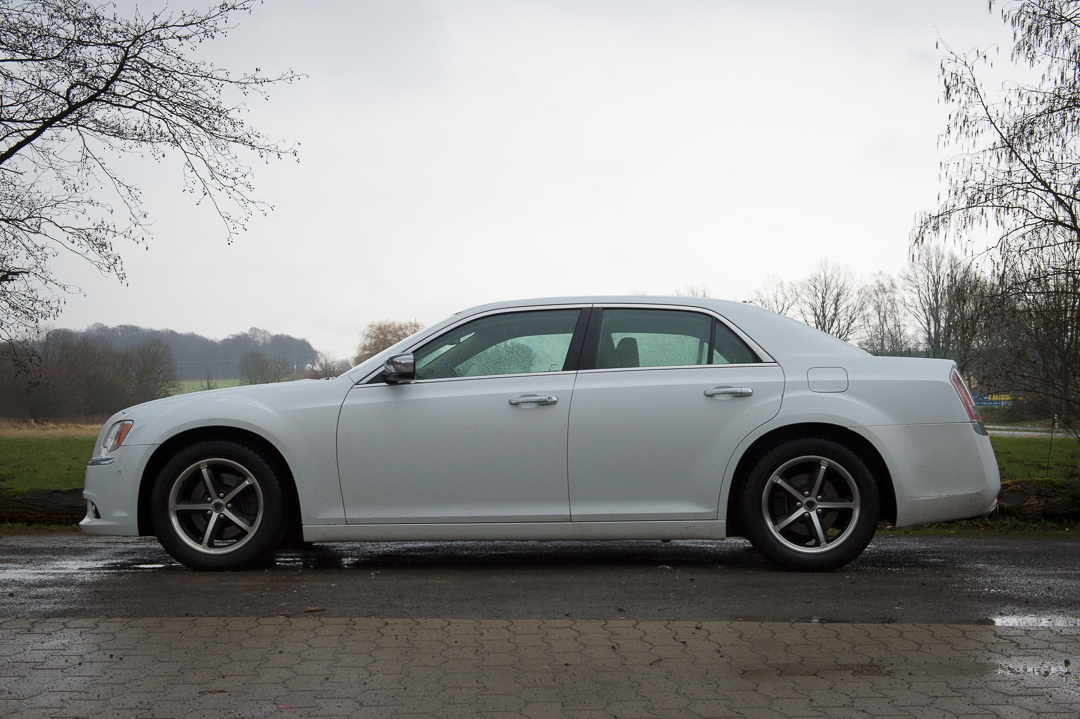 2013-lancia-thema-30-v6-multijet-executive-weiss-9392