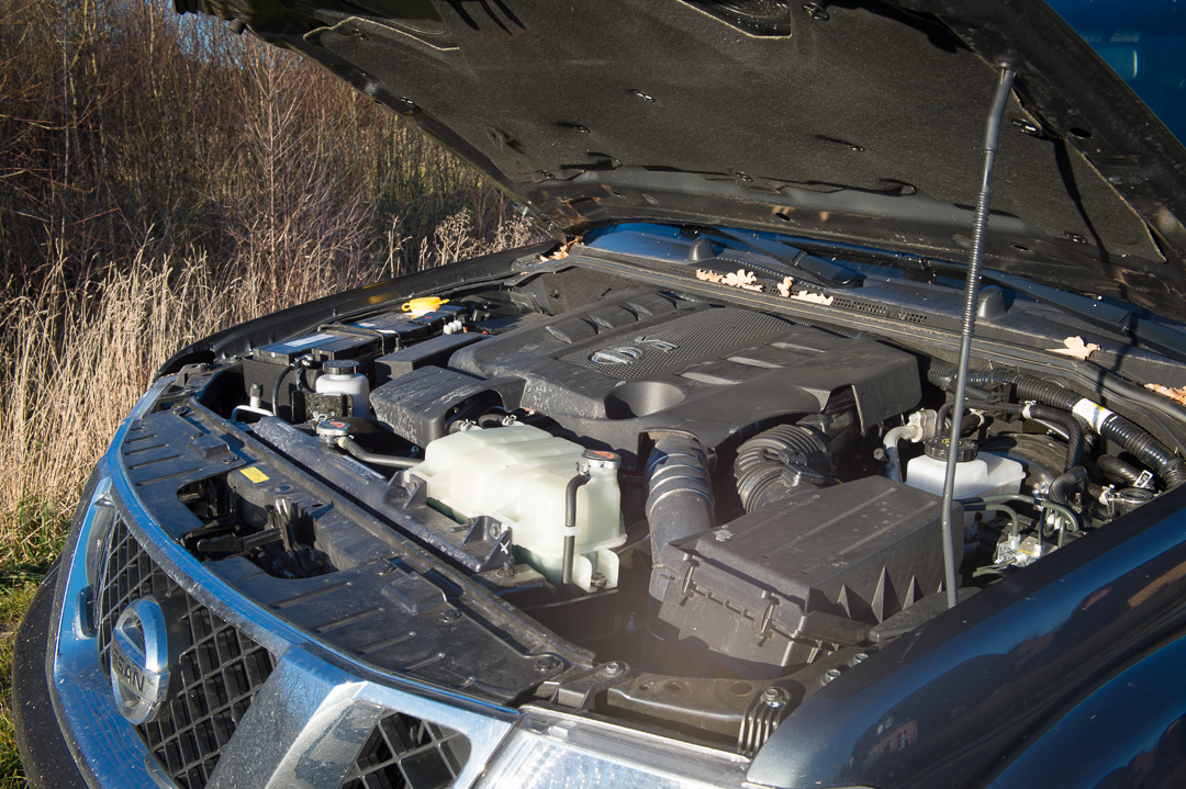 2012-nissan-navara-double-cab-4x4-v6-le-30dci-at-020