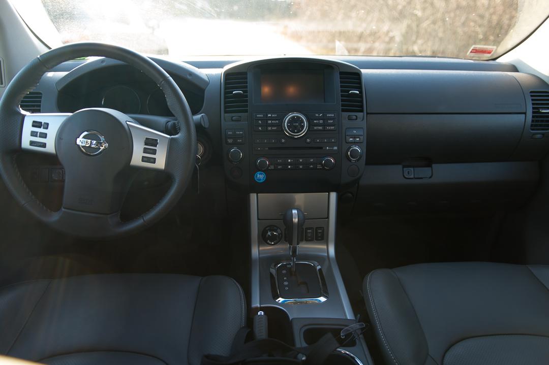 Vom Wald Auf Die Autobahn Mit Dem 2012 Nissan Navara