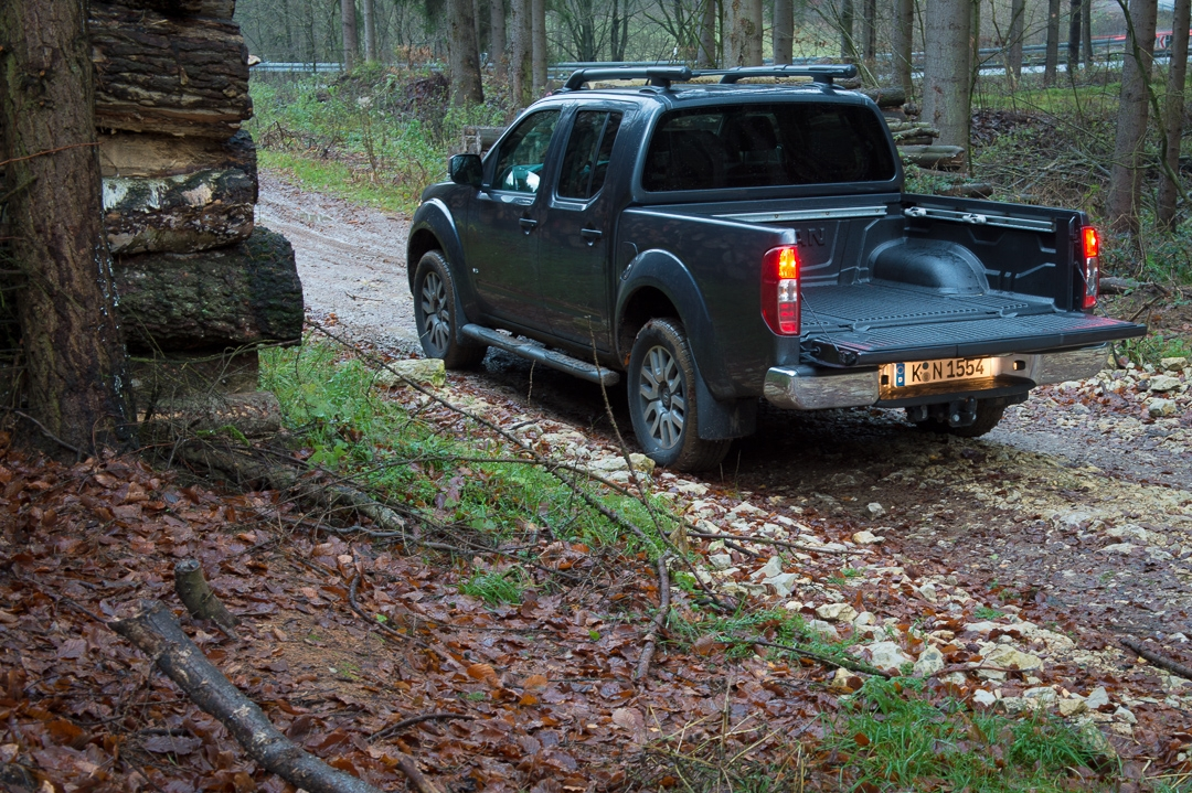 2012-nissan-navara-double-cab-4x4-v6-le-30dci-at-006