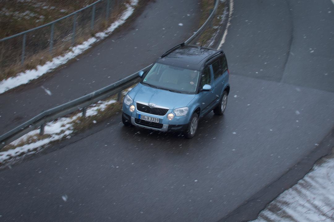 2012-skoda-yeti-4x4-20-tdi-elegance-shark-blau-0245