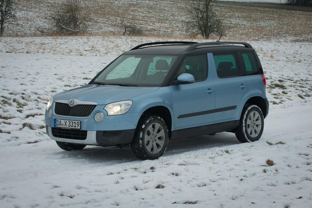 2012-skoda-yeti-4x4-20-tdi-elegance-shark-blau-0308