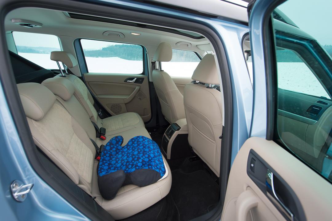2012-skoda-yeti-4x4-20-tdi-elegance-shark-blau-0313
