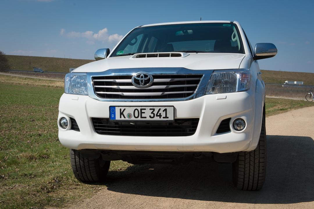 2012-toyota-hilux-3l-diesel-doppelkabine-weiss-pickup-03