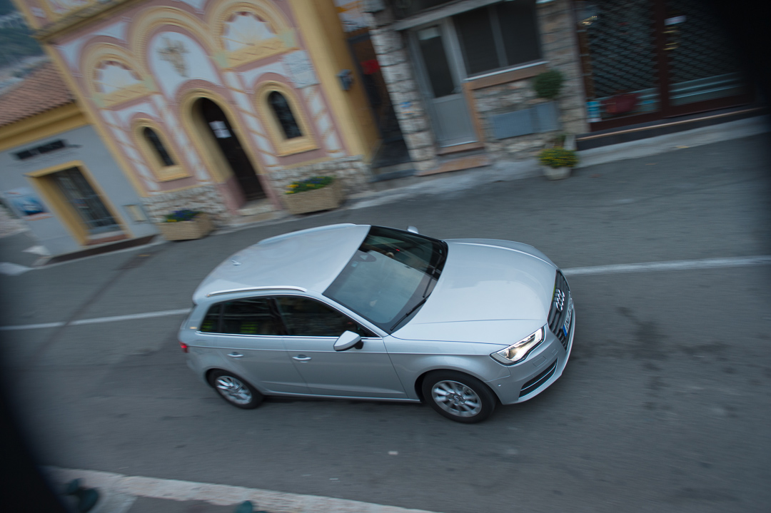 2012-audi-a3-sportsback-12-tfsi-eissilber-008