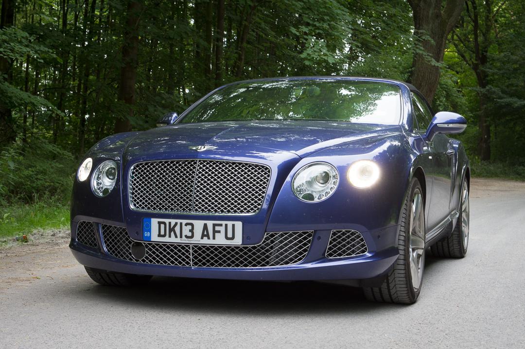 2013-bentley-continental-gtc-w12-blau-01