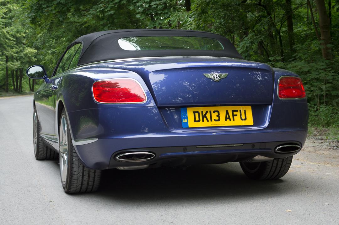 2013-bentley-continental-gtc-w12-blau-03