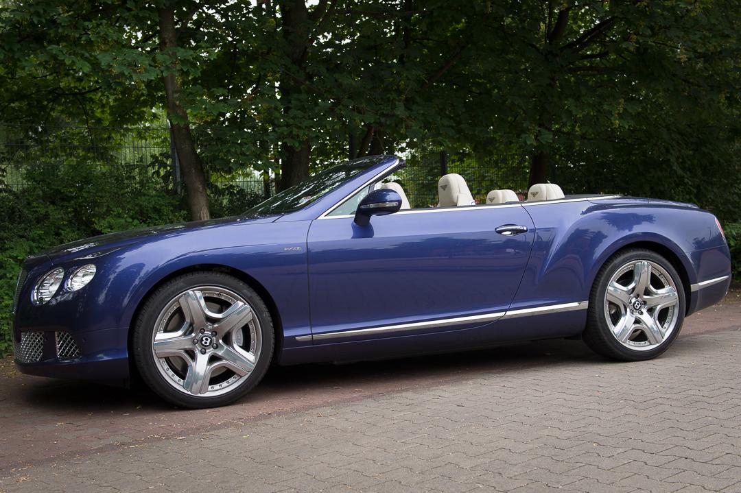 2013-bentley-continental-gtc-w12-blau-46