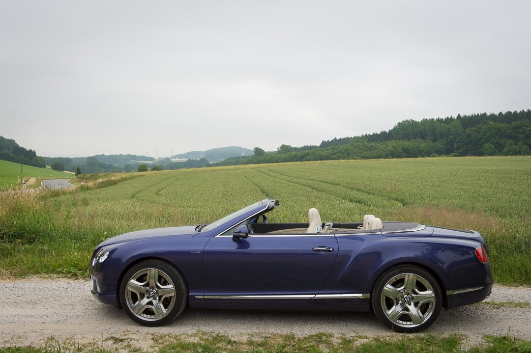 2013-bentley-continental-gtc-w12-blau-21