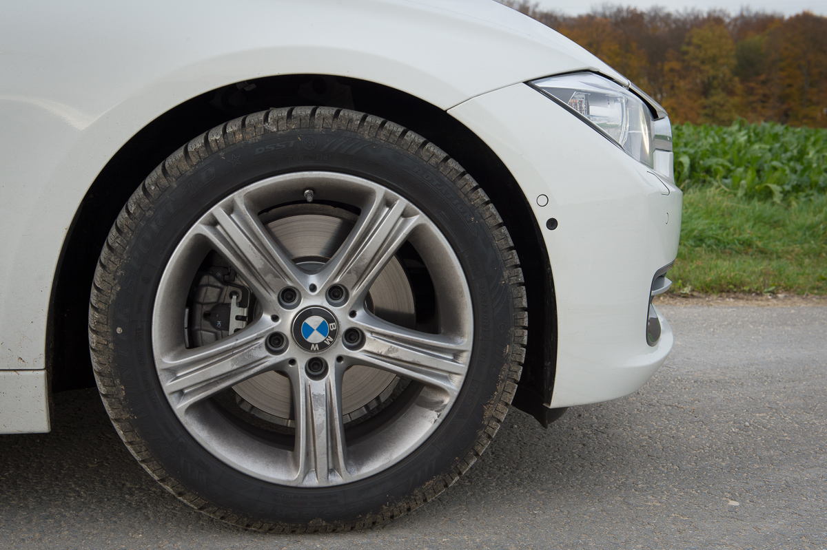 2013-bmw-328i-touring-weiss-13
