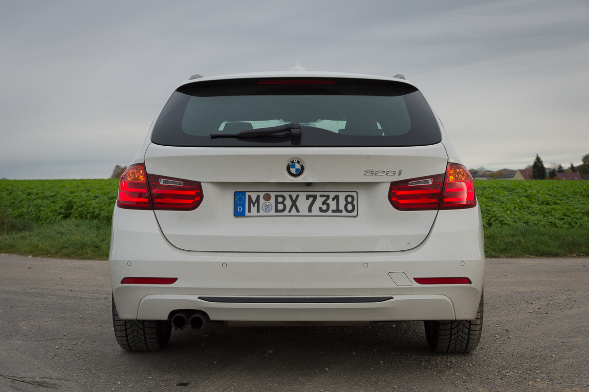 2013-bmw-328i-touring-weiss-18