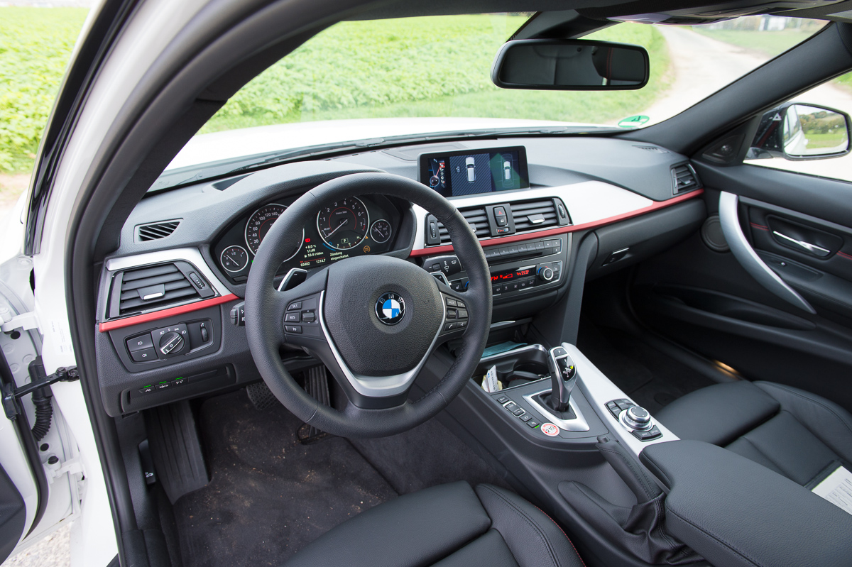 2013-bmw-328i-touring-weiss-20