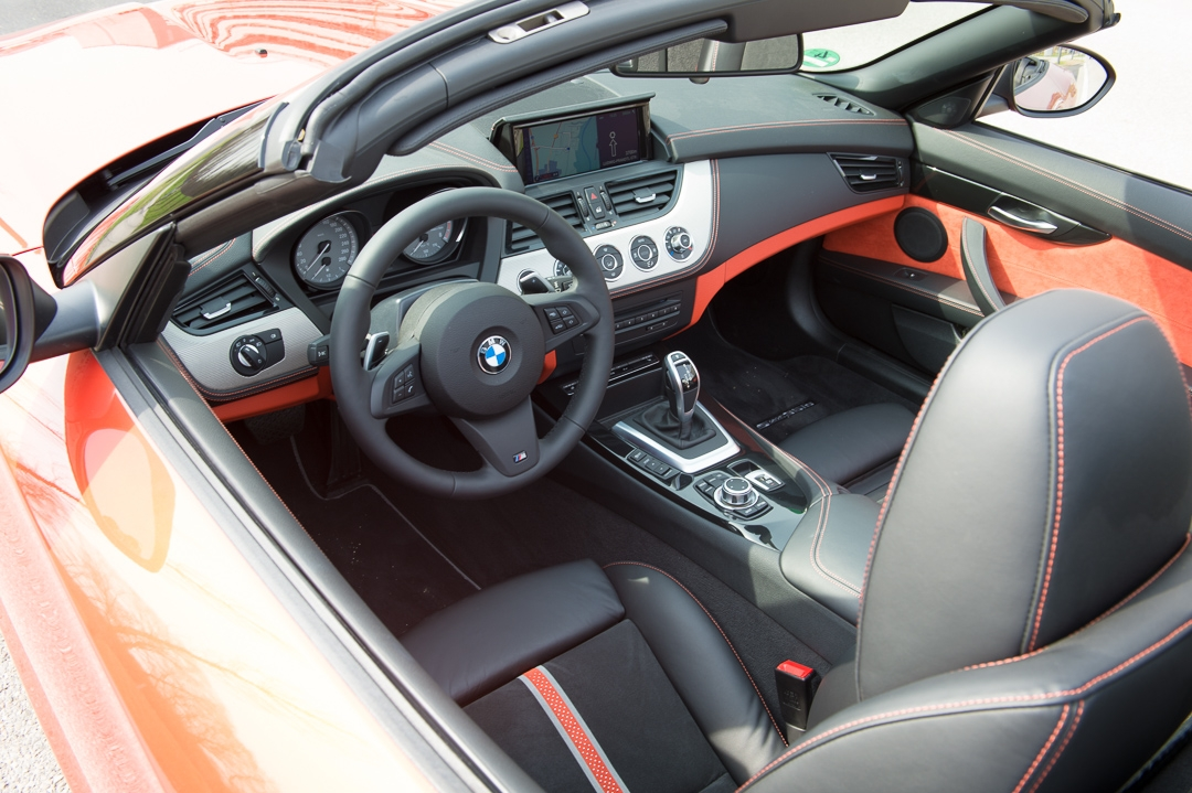 2013-bmw-z4-sdrive35is-valencia-orange-metallic-05