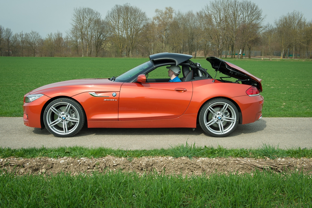 2013-bmw-z4-sdrive35is-valencia-orange-metallic-36