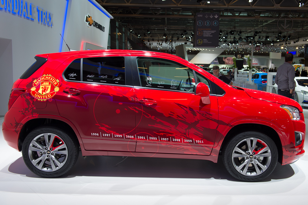 2013-chevrolet-trax-rot-paris-2012-06