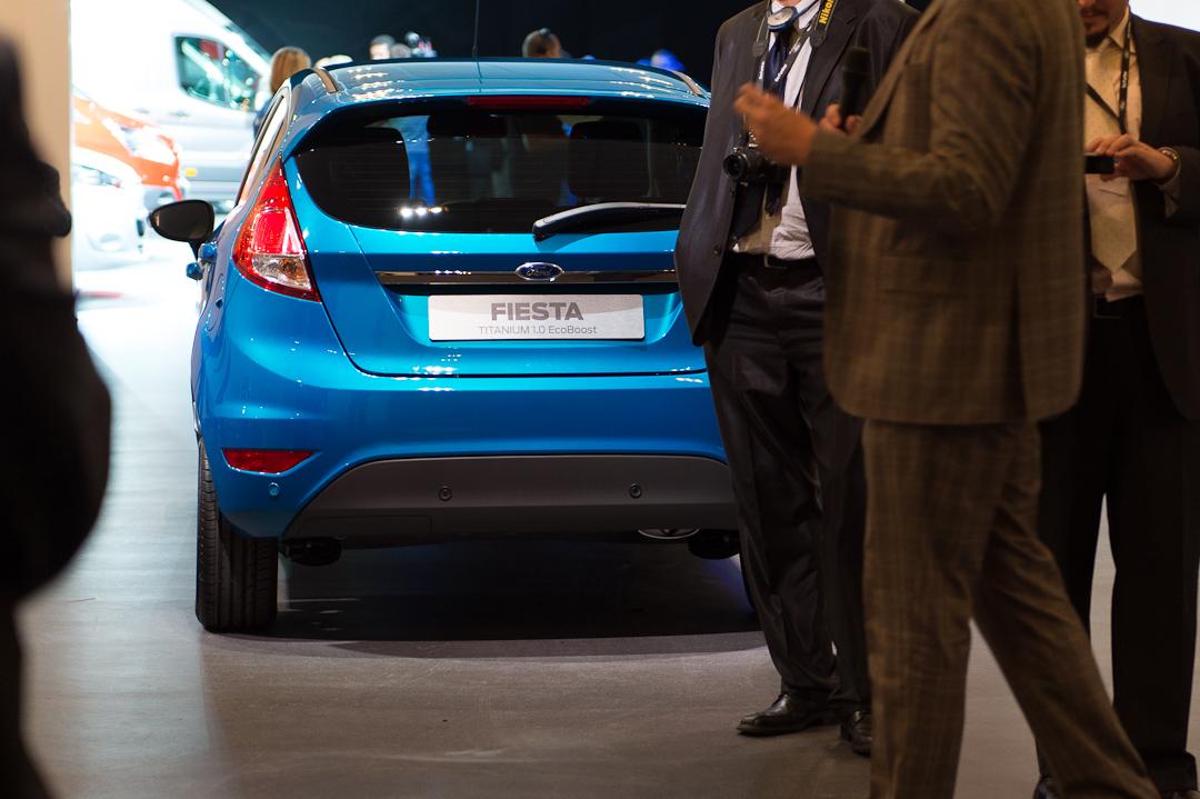 2012-ford-fiesta-titanium-10-ecoboost-blau-blue-002