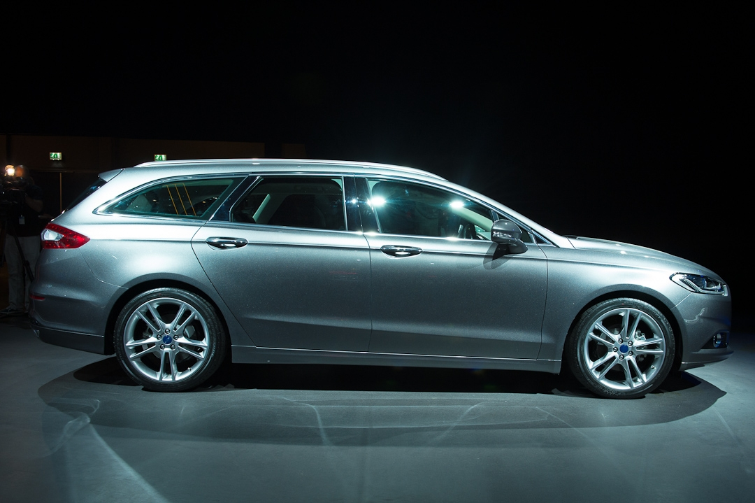 2012-ford-mondeo-tunier-kombi-stationwagon-titanium-20-ecoboost-silber-silver002
