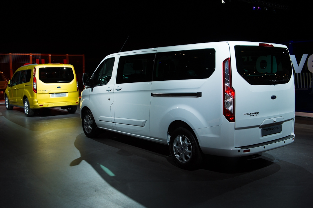 2012-ford-tourneo-008
