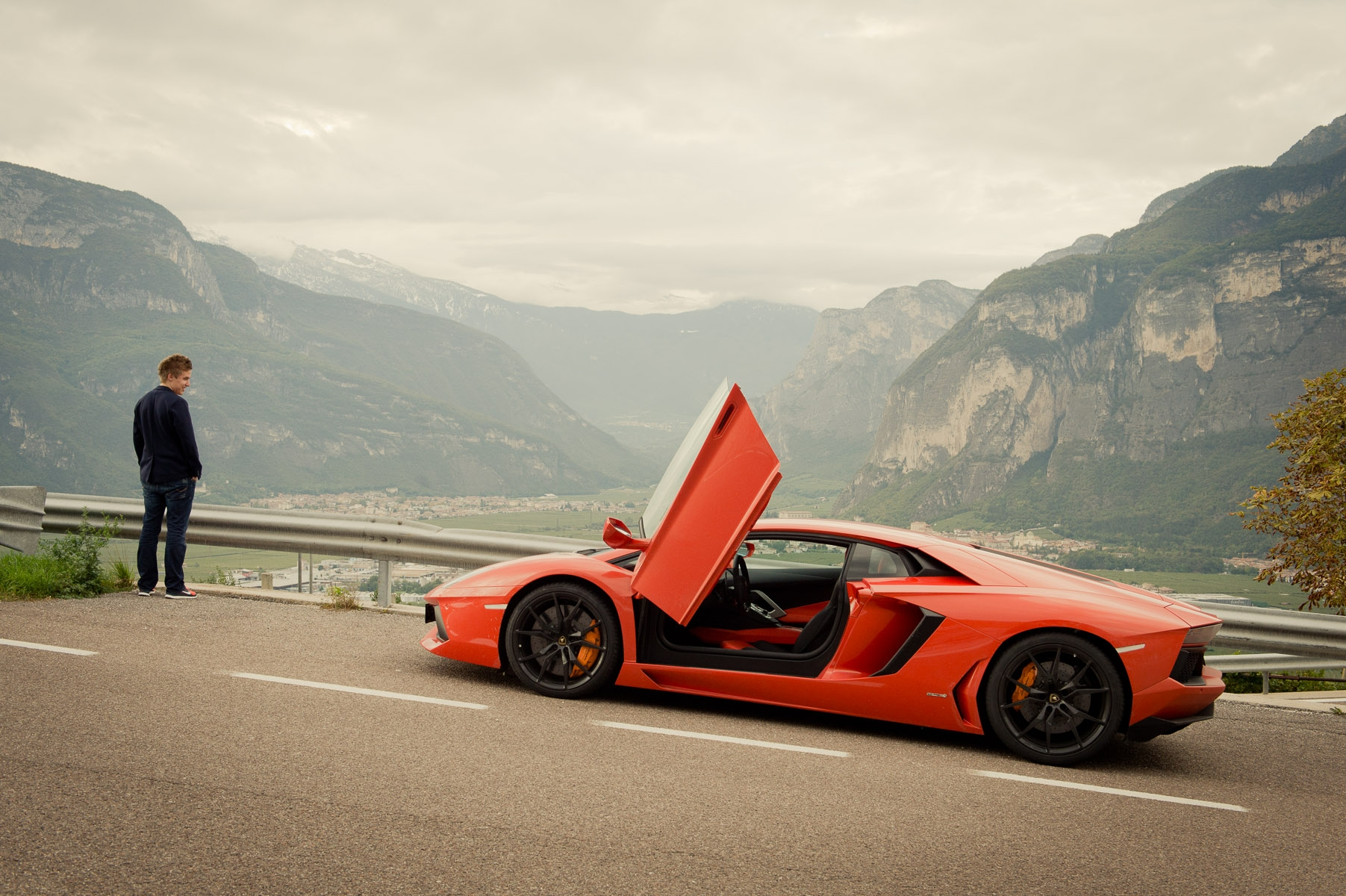 2013-lamborghini-aventador-lp700-4-orange-21