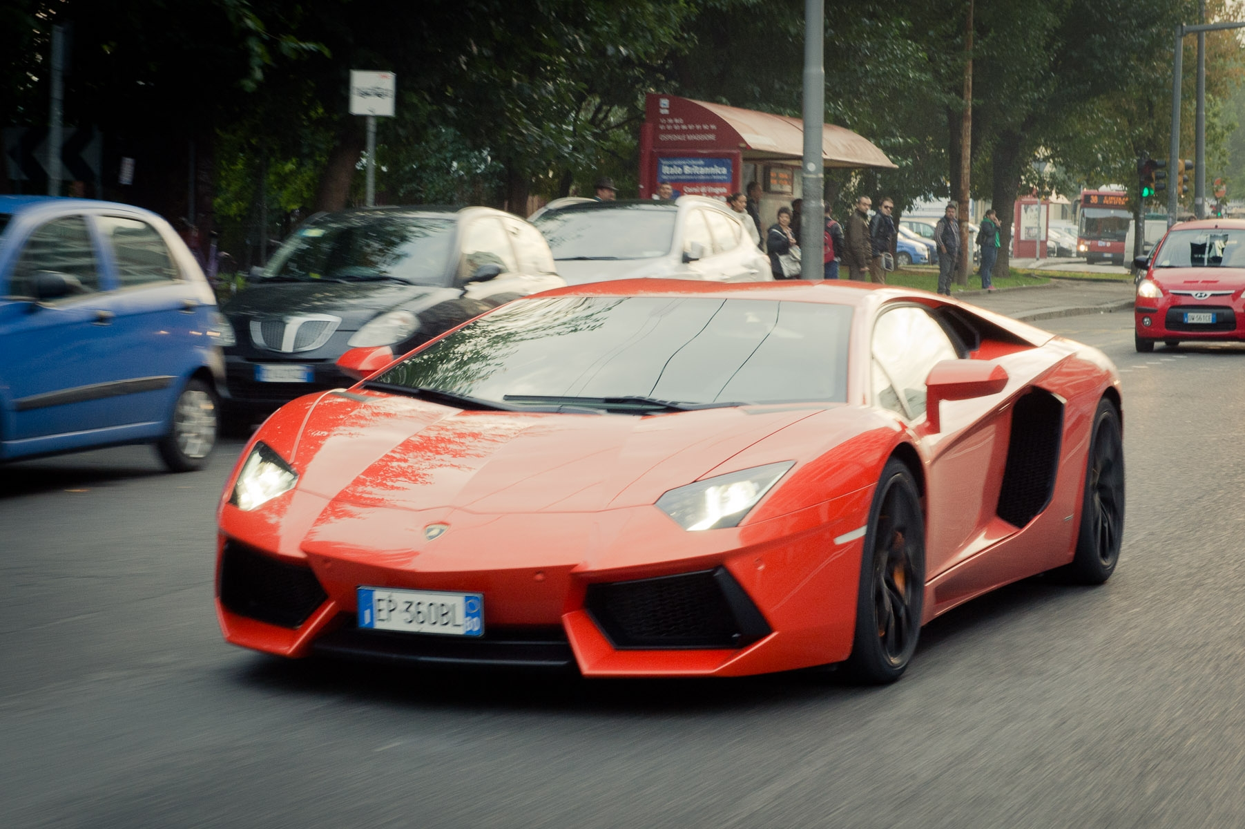 2013-lamborghini-aventador-lp700-4-orange-29