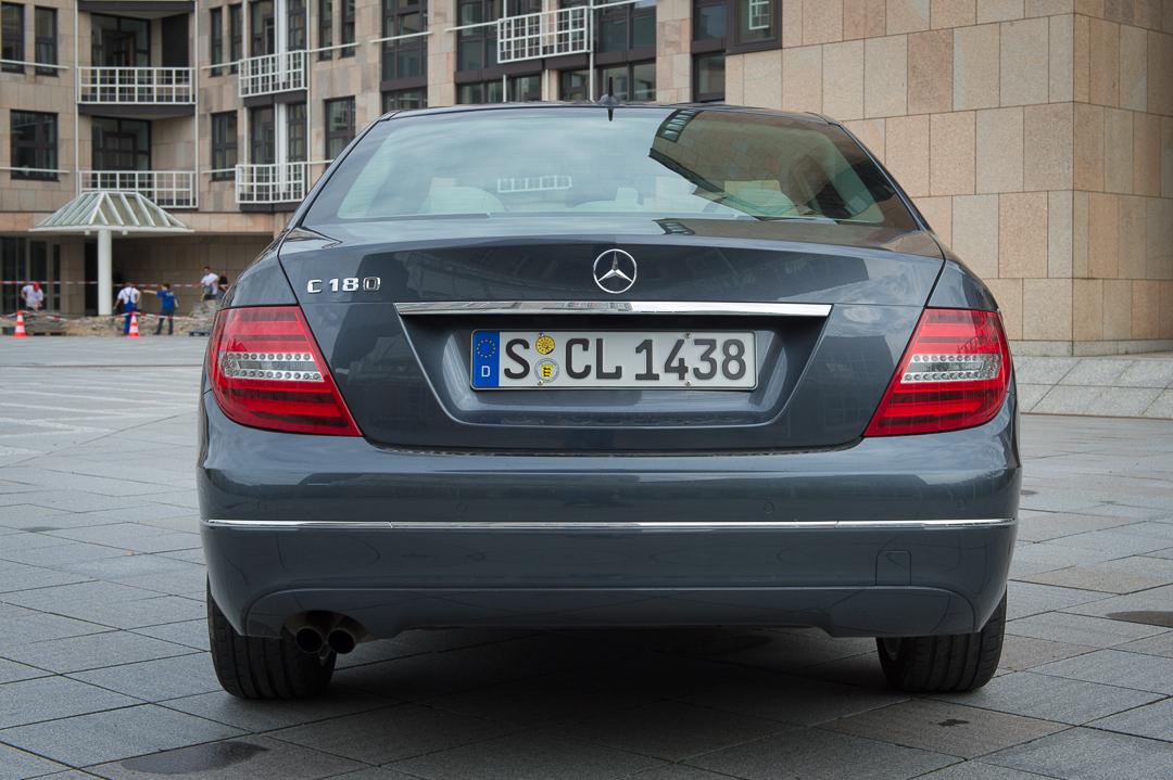 2013-mercedes-benz-c180-w204-lmousine-dunkelgrau-08