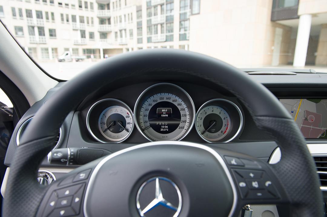 2013-mercedes-benz-c180-w204-lmousine-dunkelgrau-13