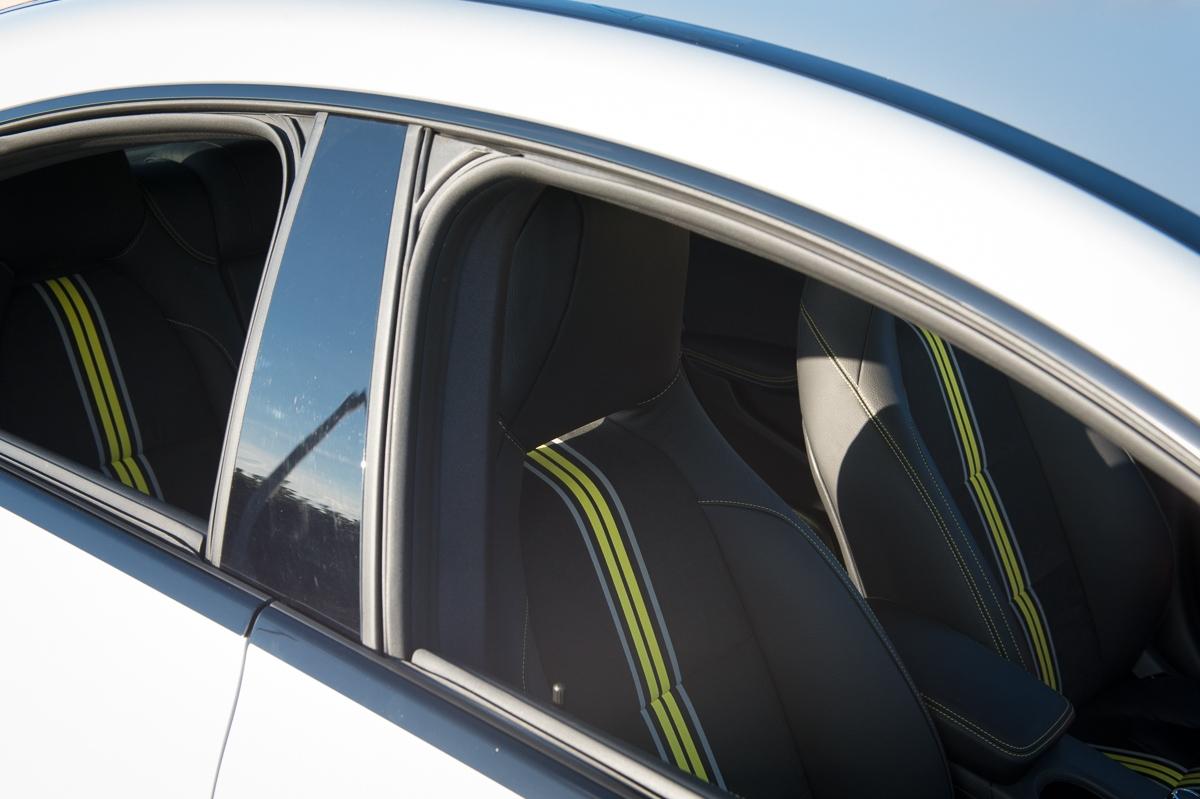 2013-mercedes-benz-cla-250-edition1-designo-polarsilber-magno-marseille-54