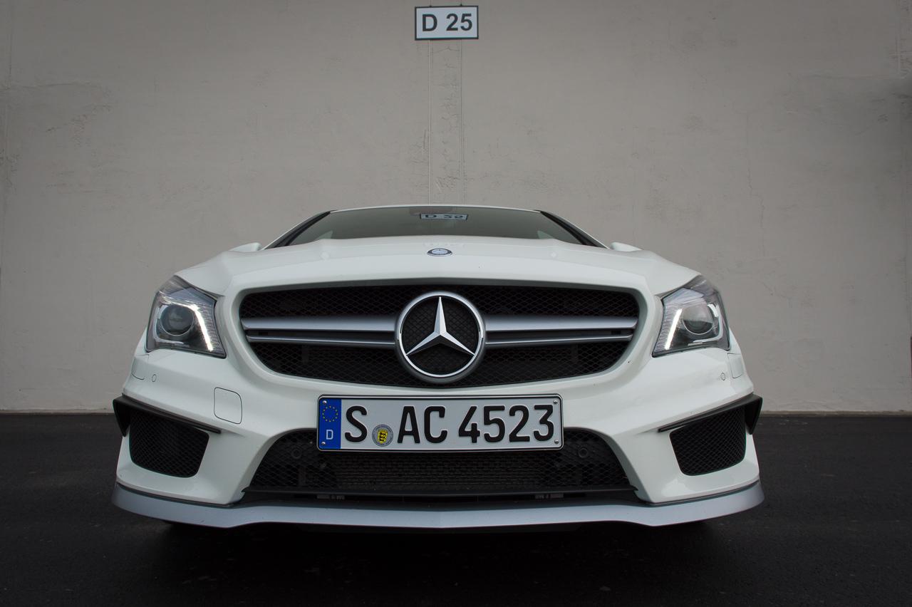 2013-mercedes-benz-cla-45-amg-zirrusweiss-bilster-berg-26