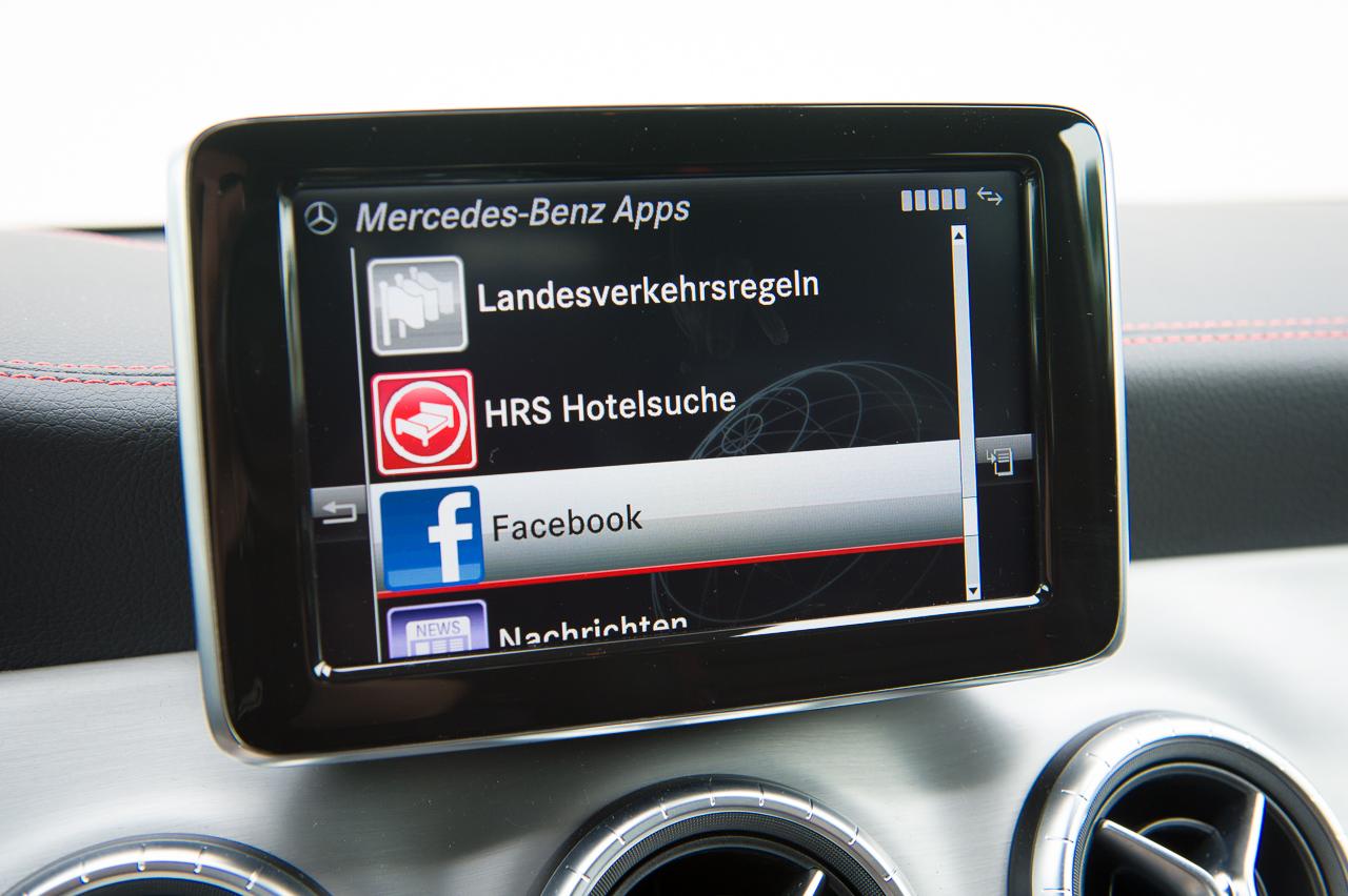 2013-mercedes-benz-cla-45-amg-zirrusweiss-bilster-berg-44