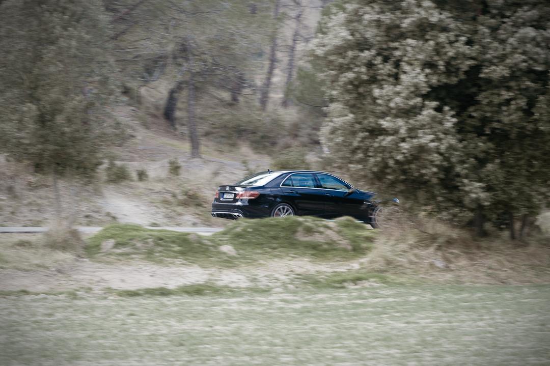 2012-mercedes-benz-e63-amg-s-4matic-schwarz-0549