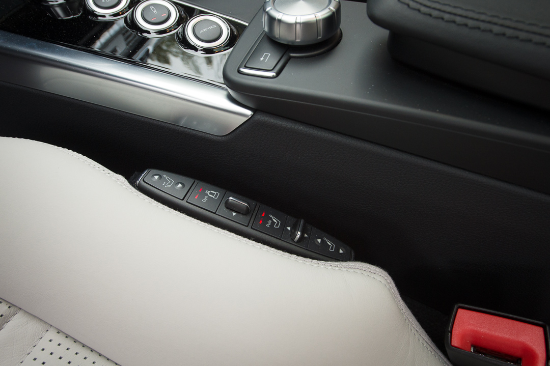 2012-mercedes-benz-e63-amg-s-4matic-schwarz-0590