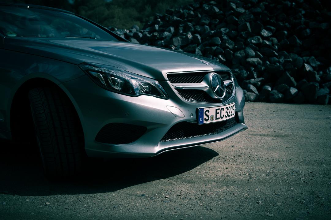 2013-mercedes-benz-e400-cabriolet-v6-silber-innen-rot-02