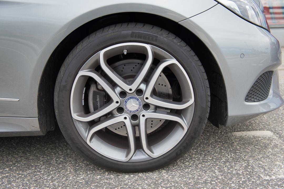 2013-mercedes-benz-e400-cabriolet-v6-silber-innen-rot-05