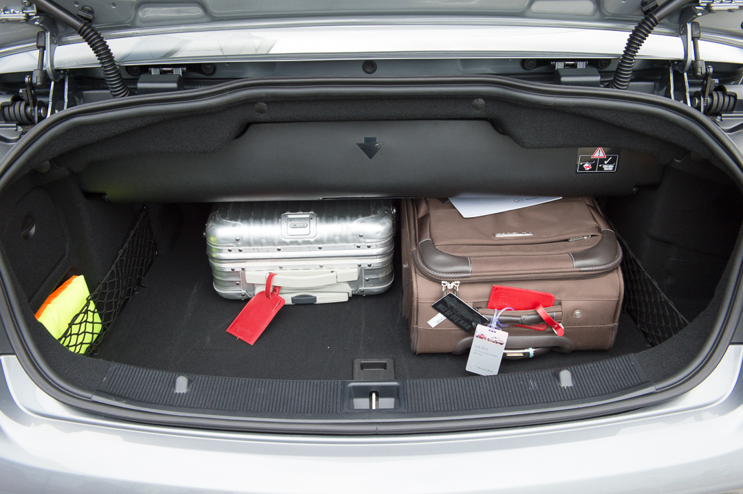 2013-mercedes-benz-e400-cabriolet-v6-silber-innen-rot-08