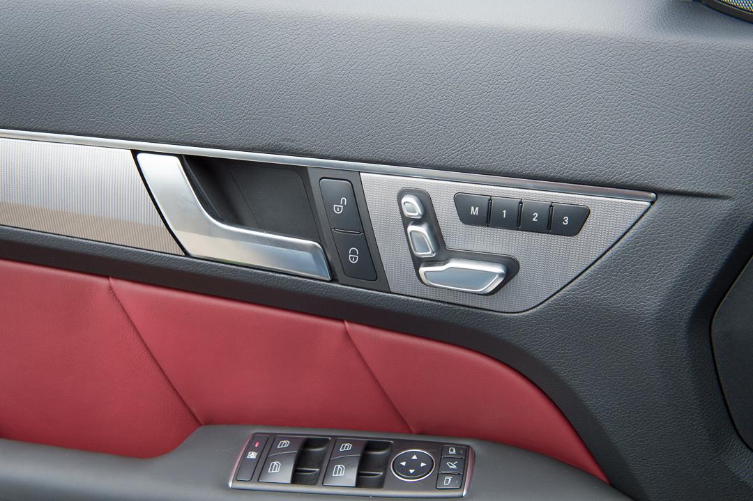 2013-mercedes-benz-e400-cabriolet-v6-silber-innen-rot-09
