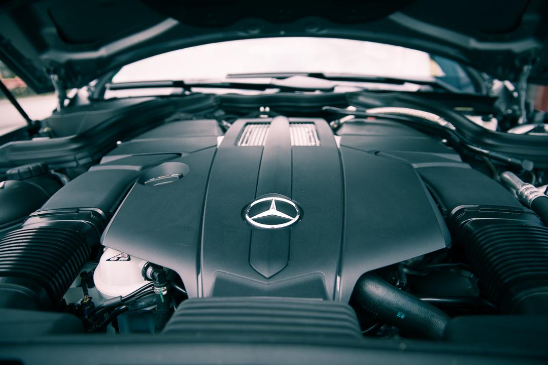2013-mercedes-benz-e400-cabriolet-v6-silber-innen-rot-13