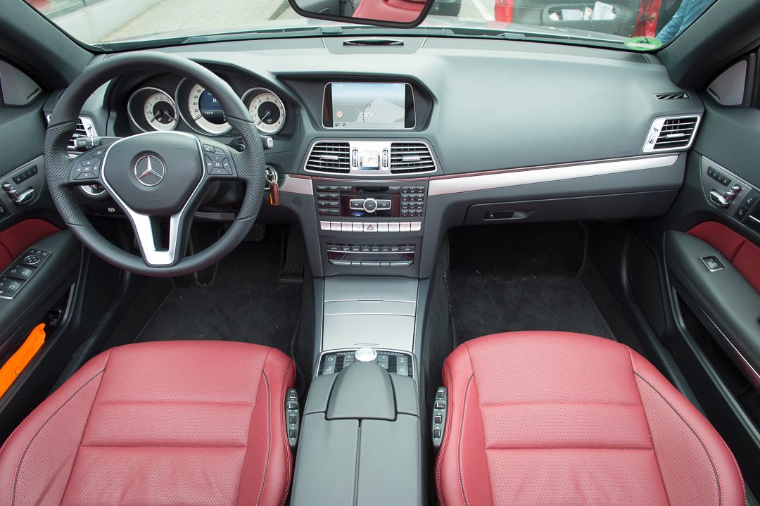 2013-mercedes-benz-e400-cabriolet-v6-silber-innen-rot-19