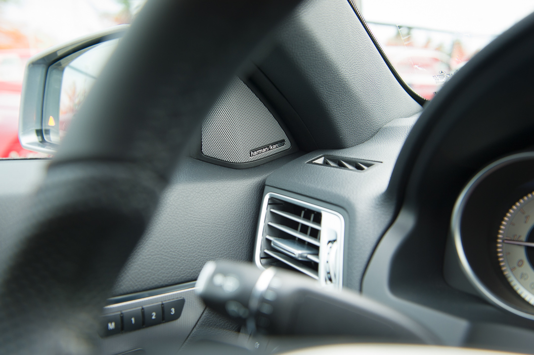 2013-mercedes-benz-e400-cabriolet-v6-silber-innen-rot-31