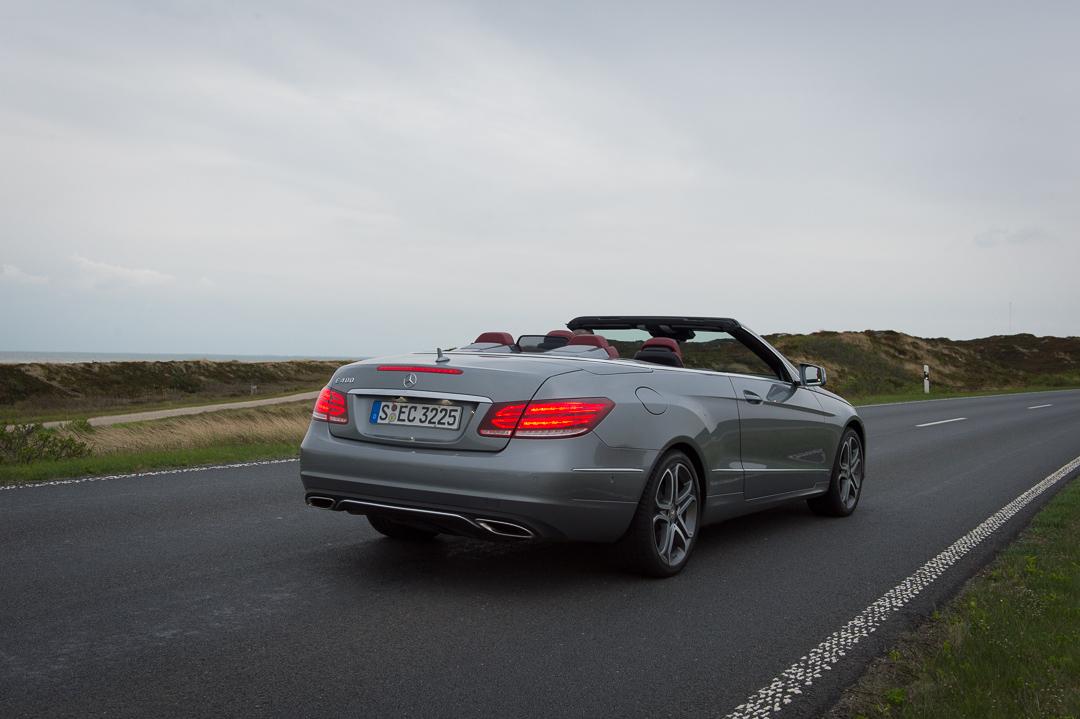 2013-mercedes-benz-e400-cabriolet-v6-silber-innen-rot-38