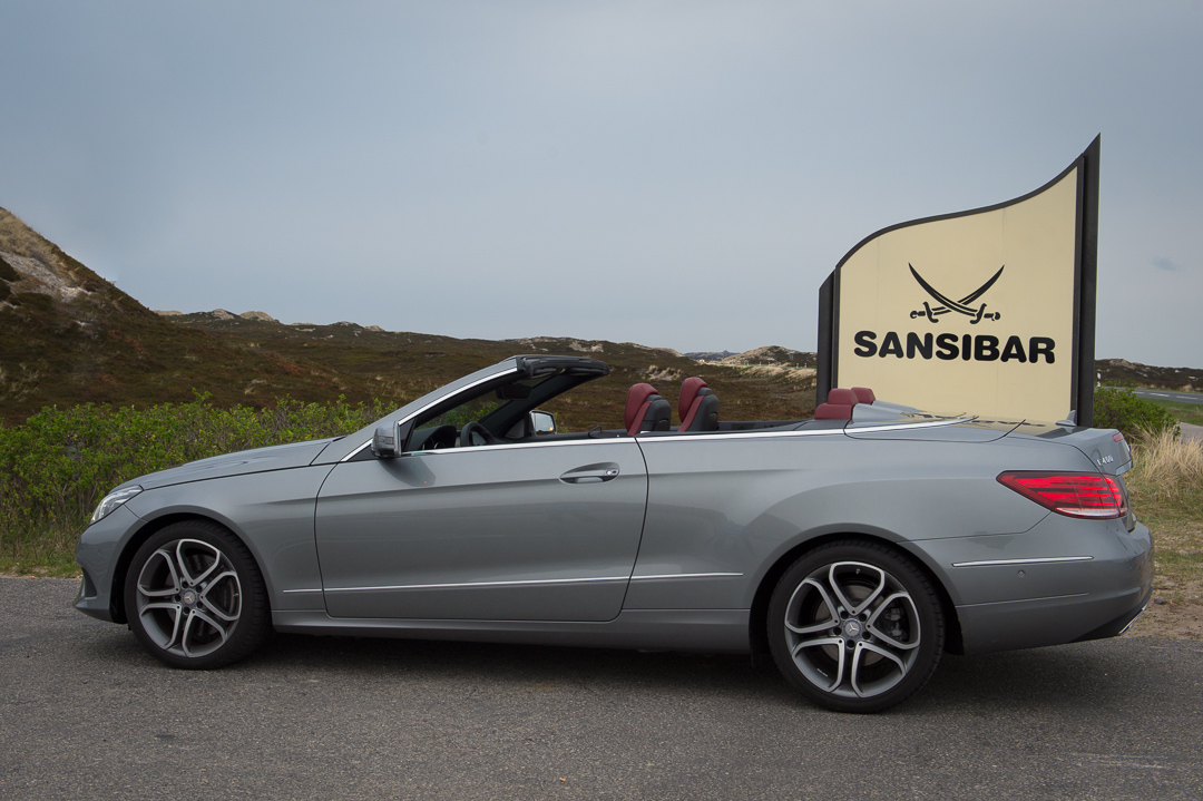 2013-mercedes-benz-e400-cabriolet-v6-silber-innen-rot-39