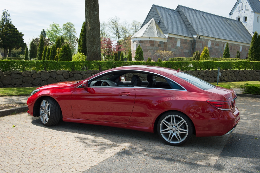 2013-mercedes-benz-e500-coupe-v8-rot-amg-package-31