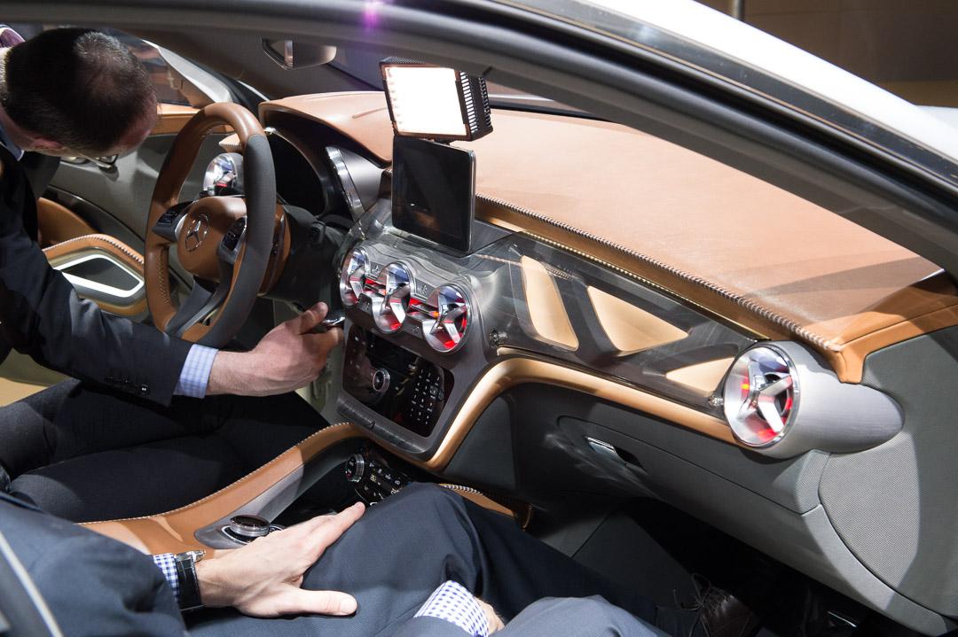 2013-mercedes-benz-gla-concept-x156-shanghai-vorpremiere-17