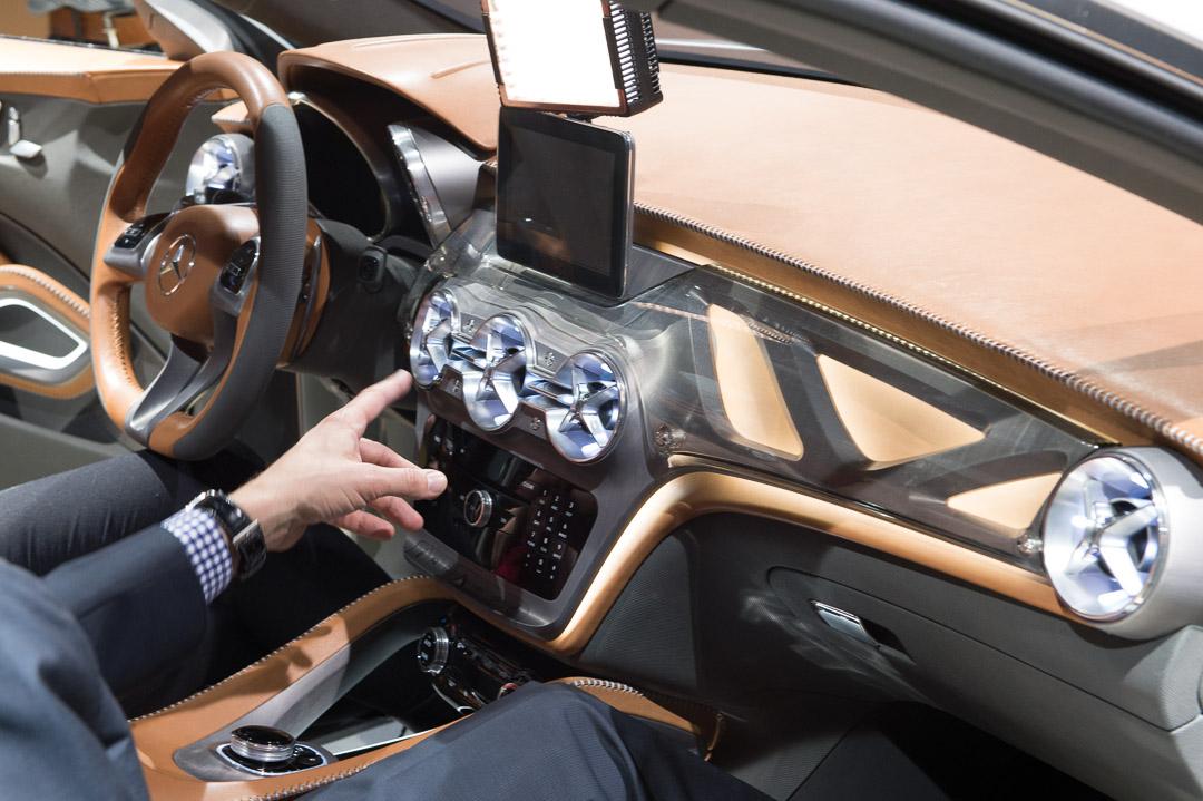 2013-mercedes-benz-gla-concept-x156-shanghai-vorpremiere-18