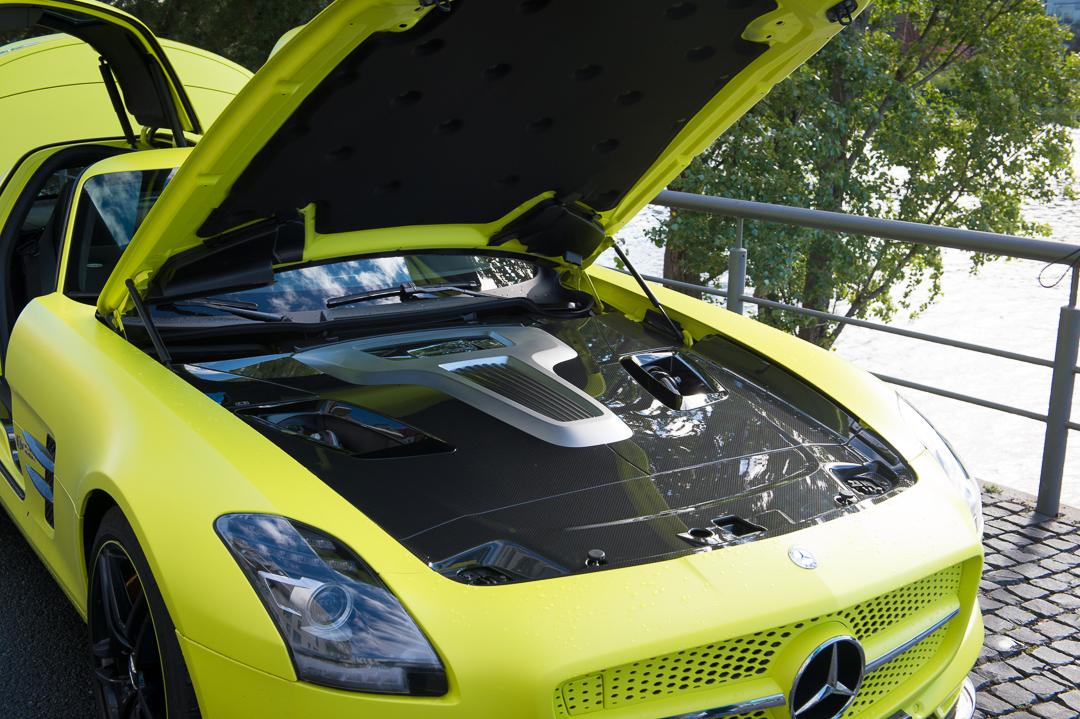 2013-mercedes-benz-sls-amg-electric-drive-gelb-02